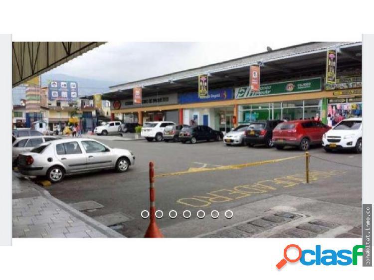 Local en itagui en centro comercial