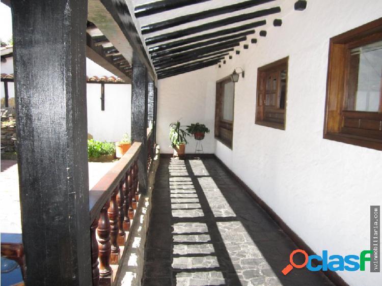 Casa colonial en hermoso sector residencial