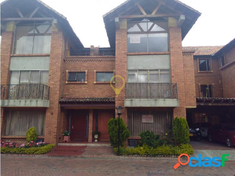 Casa 3 niveles venta chia 620 millones