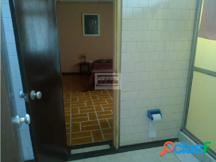 Se vende casa ubicada en barrio la lorena