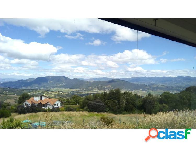 Venta de casa para remodelar en yerbabuena chia