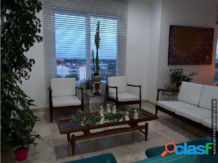 Vende apartamento duplex en el recreo