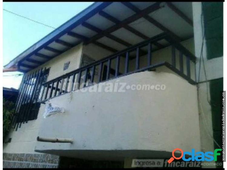 Vende casa sector barrio villas del sol