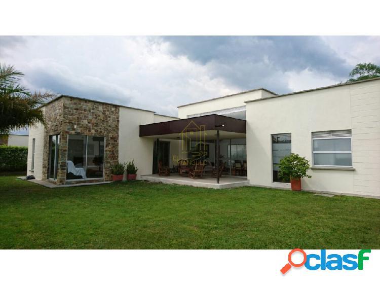 Casa de campo a la venta conjunto cerrado armenia