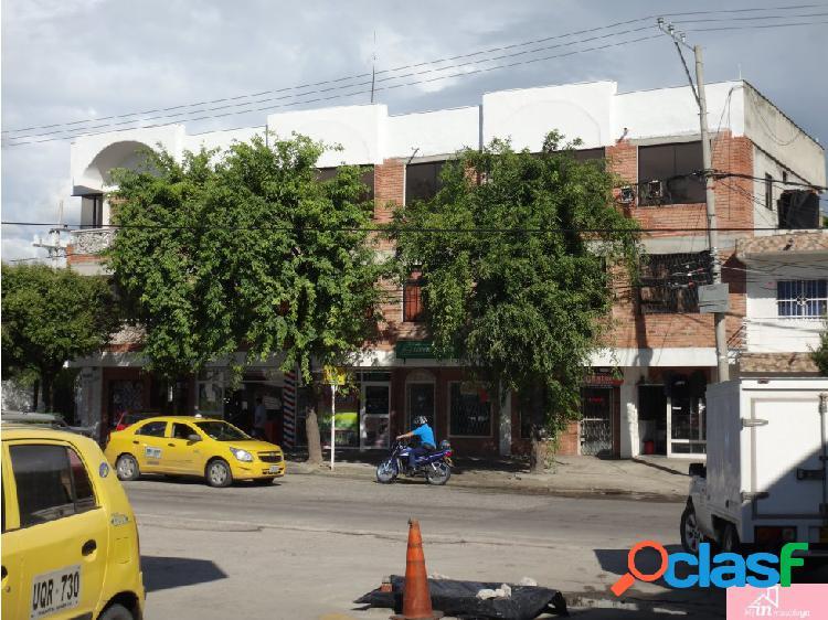 Edificio comercial con apartamentos en santa marta