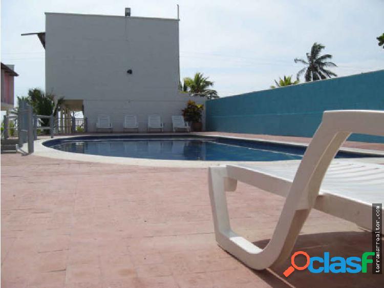 Cabañas para 6 personas con piscina y playa
