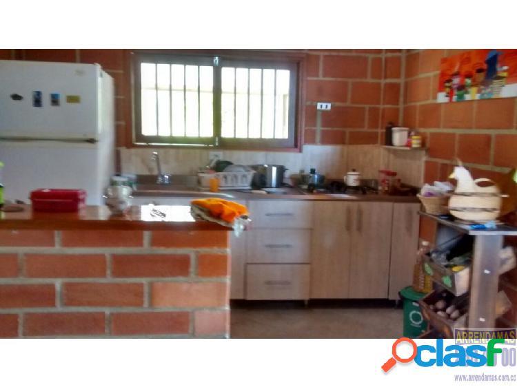 Casa finca en guatape en venta