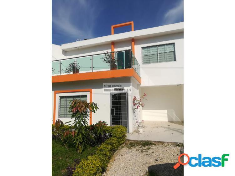 Vendo casa de 2 piso b/ monteverde-monteria