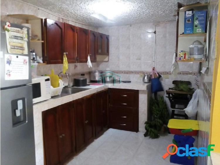 Vendo casa en el barrio 7 de agosto de armenia
