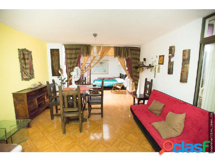 Se arrienda apartamento amoblado plaza bolivar