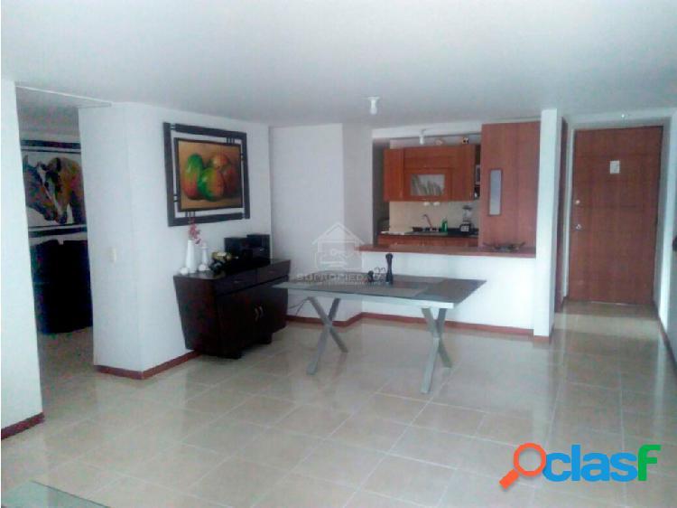 Apartamento amplio, bonito e iluminado en envigado