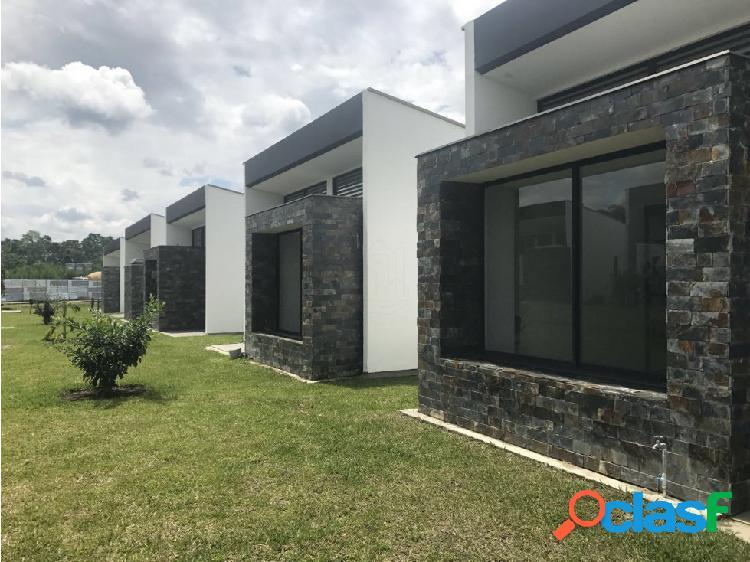 Se venden casas en senior's club armenia