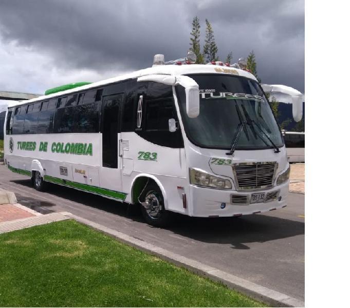 Bus hyundai modelo 2012 41 pasajeros con aire y baño.