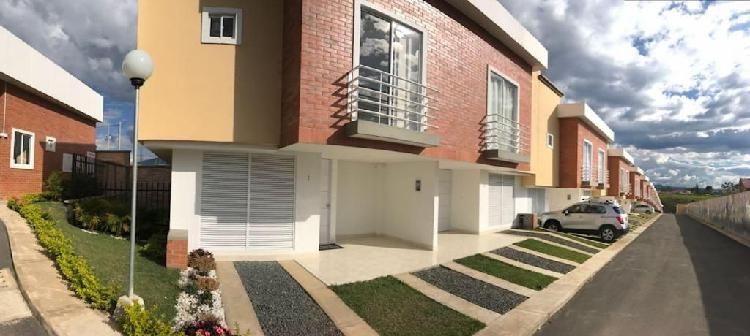 Montelugano alquiler casa nueva