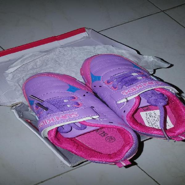 Zapatillas nuevas sun kids para niña