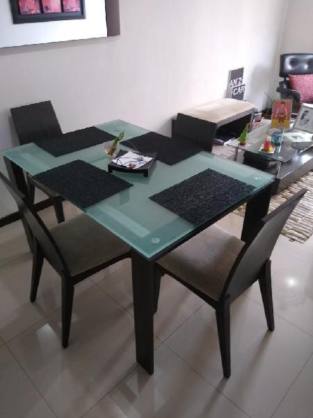 Vendo comedor en roble y sofa en cuero en Bogotá 【 ANUNCIOS ...