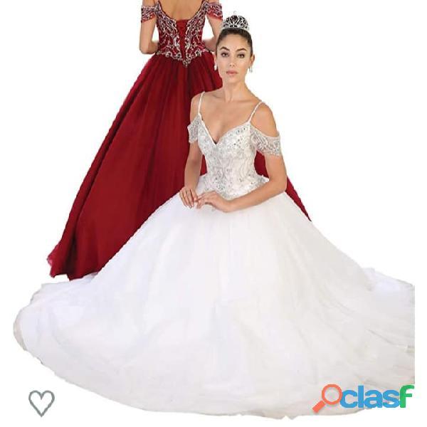 Vestido de matrimonio para dama estilo princesa con pedrería  */