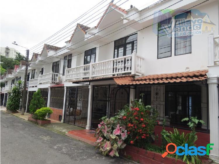 Bonita casa en venta en sector hacaritama