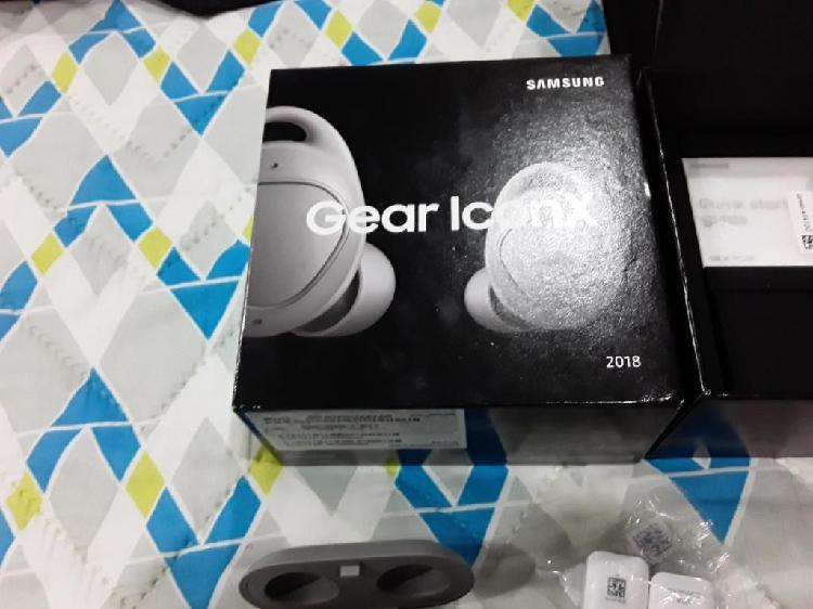 Gear iconx 2018