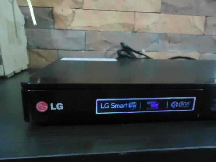 Blu-ray lg-3 d-mod. bp 440 prácticamente nuevo.