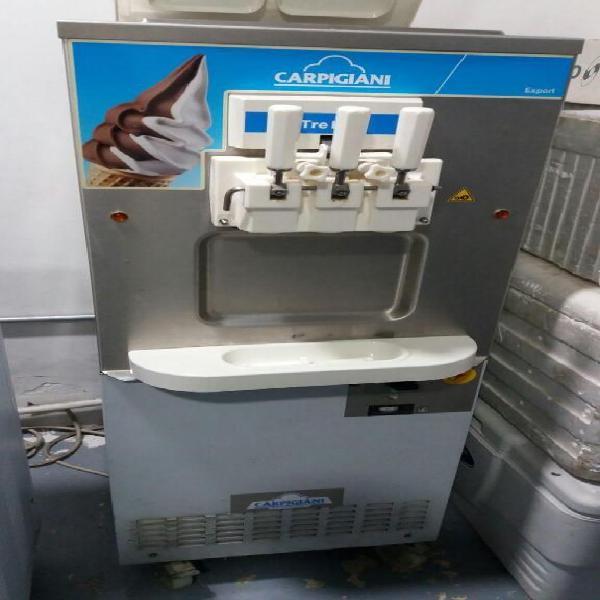 Maquina de helado suave italiana carpigiani tre b/p