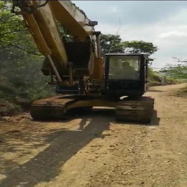 Excavadora komatsu 150-3