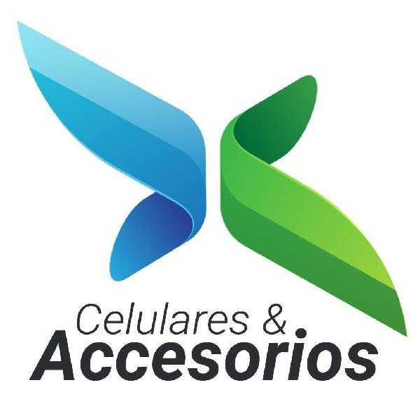 Vendedora y administradora punto accesorios para celulares