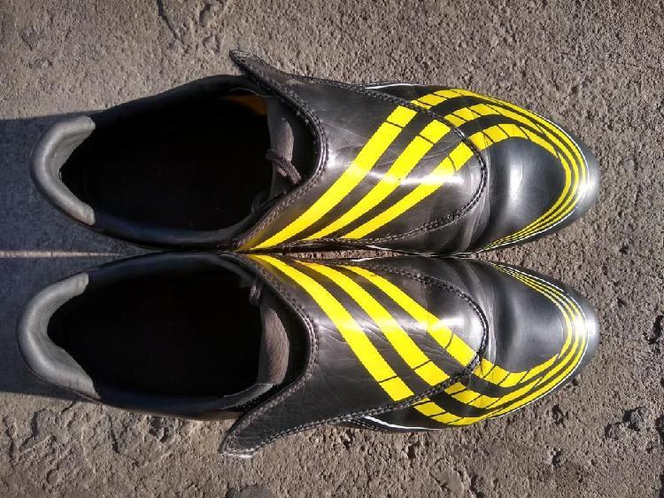 Guayos adidas f30