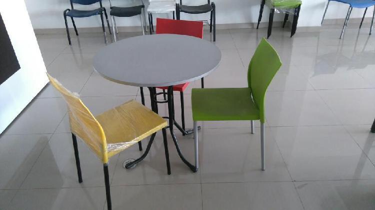 Mesa y sillas promo