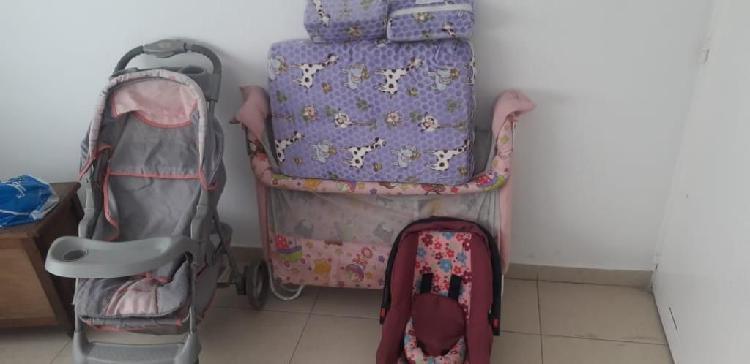 Corral y porta bebé en buen estado