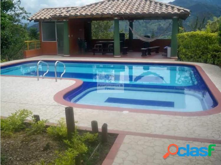 Alquiler finca copacabana código 1386091