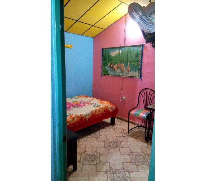 Habitacion amoblada persona sola con baño privado y wifi