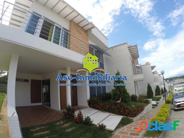 Vendemos hermosa casa barrio - COLINAS DEL VALLE 1
