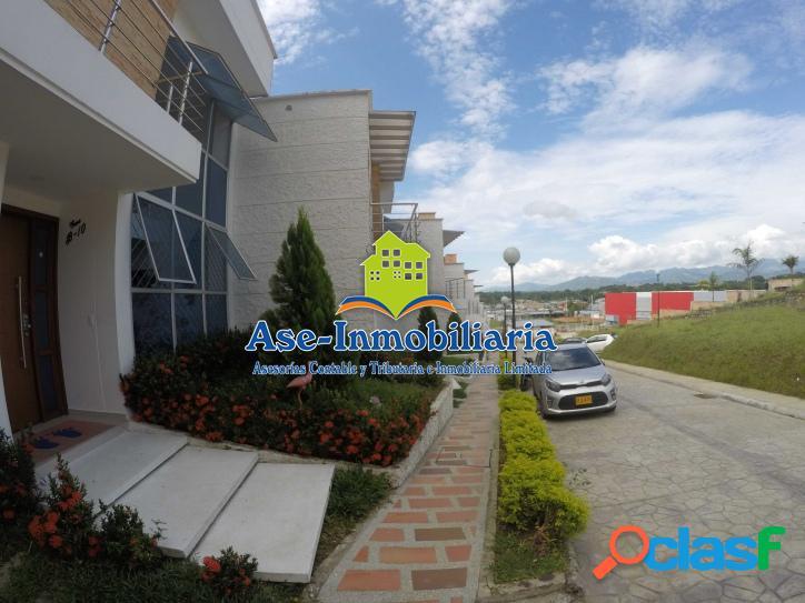 Vendemos hermosa casa barrio - COLINAS DEL VALLE 3