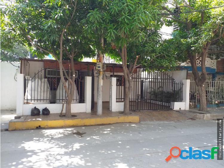 Arriendo casa comercial en el sector de los cocos