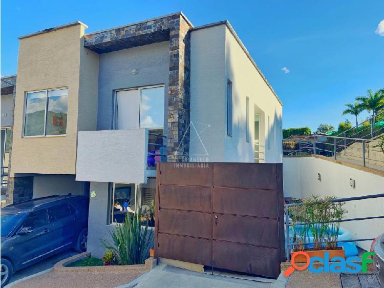 Se vende casa condominio av centenario armenia