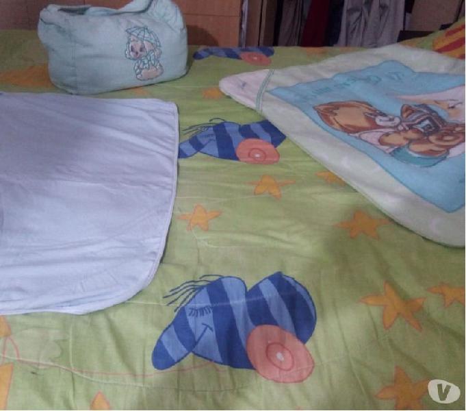 Se vende pañalera y cobertores mixto puede ser niño o