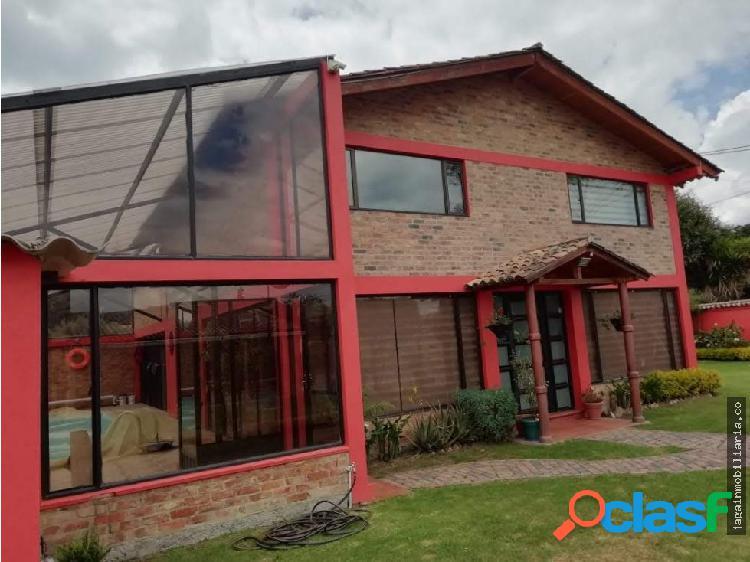 Casa 300 m2 con piscina en guaymaral