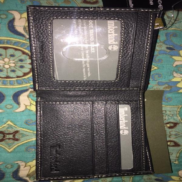 Billetera plegable de cuero negro