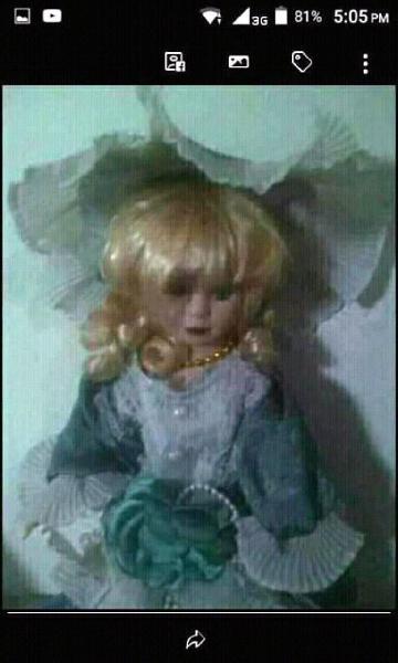 Muñeca de porcelana fina
