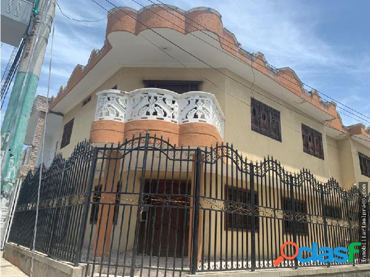 Casa en urbanizacion santa cruz.