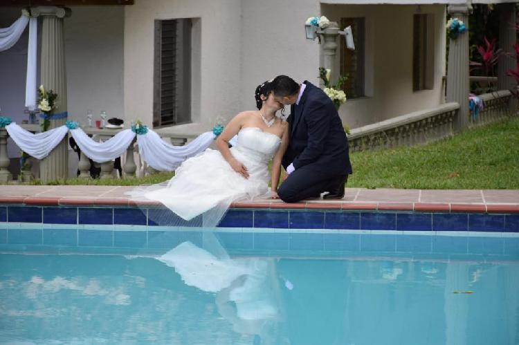 Fotógrafo de bodas, novias, photobook, álbum, sesiones,