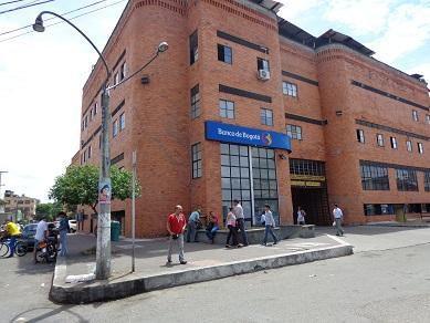 Vendo local, centro comercial los comuneros neiva 16.500.000