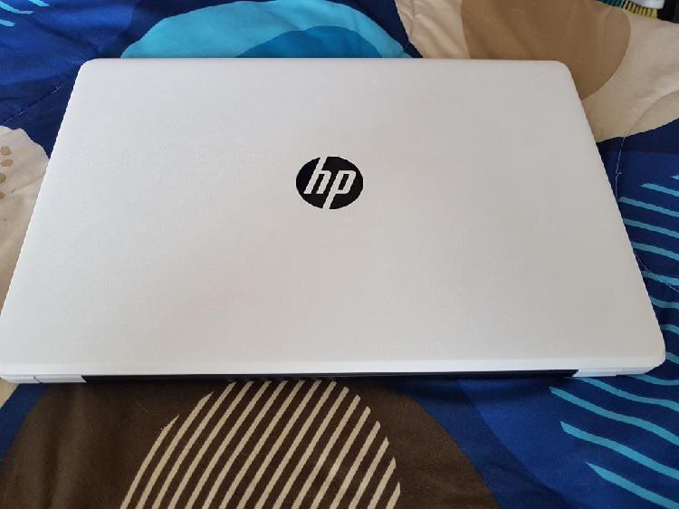 Laptop hp blanca