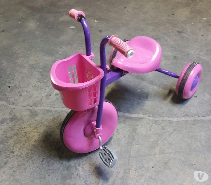 Triciclo rosa niña