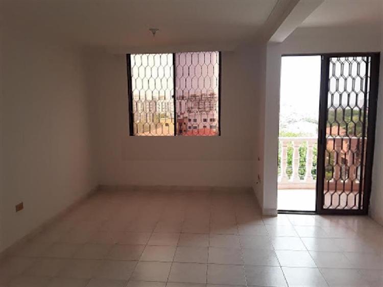 Arriendo apartamento ubicado en villa carolina. edificio
