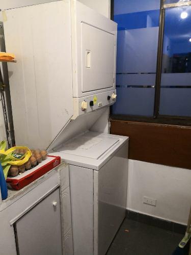 Centro de lavado lavadora secadora torre eléctrica 220v