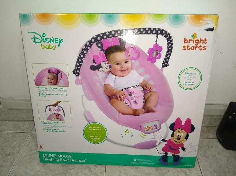 Se vende coche y silla paseadora de bebe