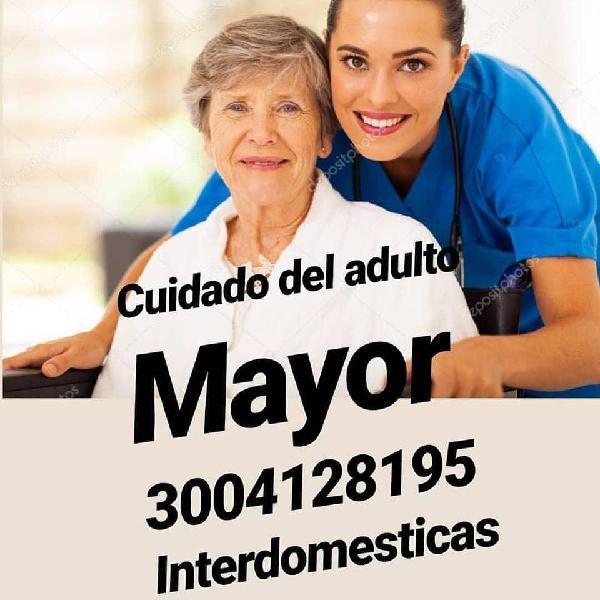 Personal calificado para cuidado de los niños y adulto