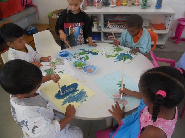 Refuerzo y apoyo en tareas escolares preescolar y primaria.